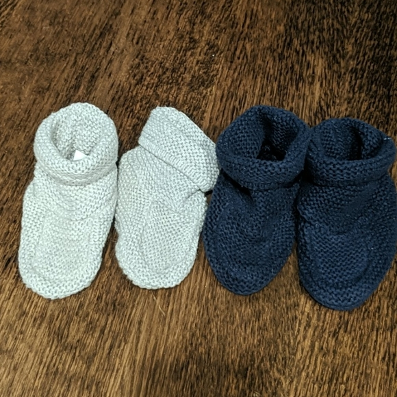 GAP Shoes   Baby Knitted Booties 612